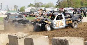 Demolition Derby @ Dresden Raceway | Dresden | Ontario | Canada